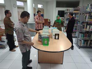 Kunjungan Asesor Visitasi Akreditasi Prodi Sistem Informasi Ke Perpustakaan